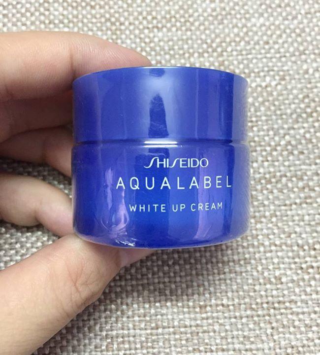 Kem Trắng Aqualabel Up (Blue)