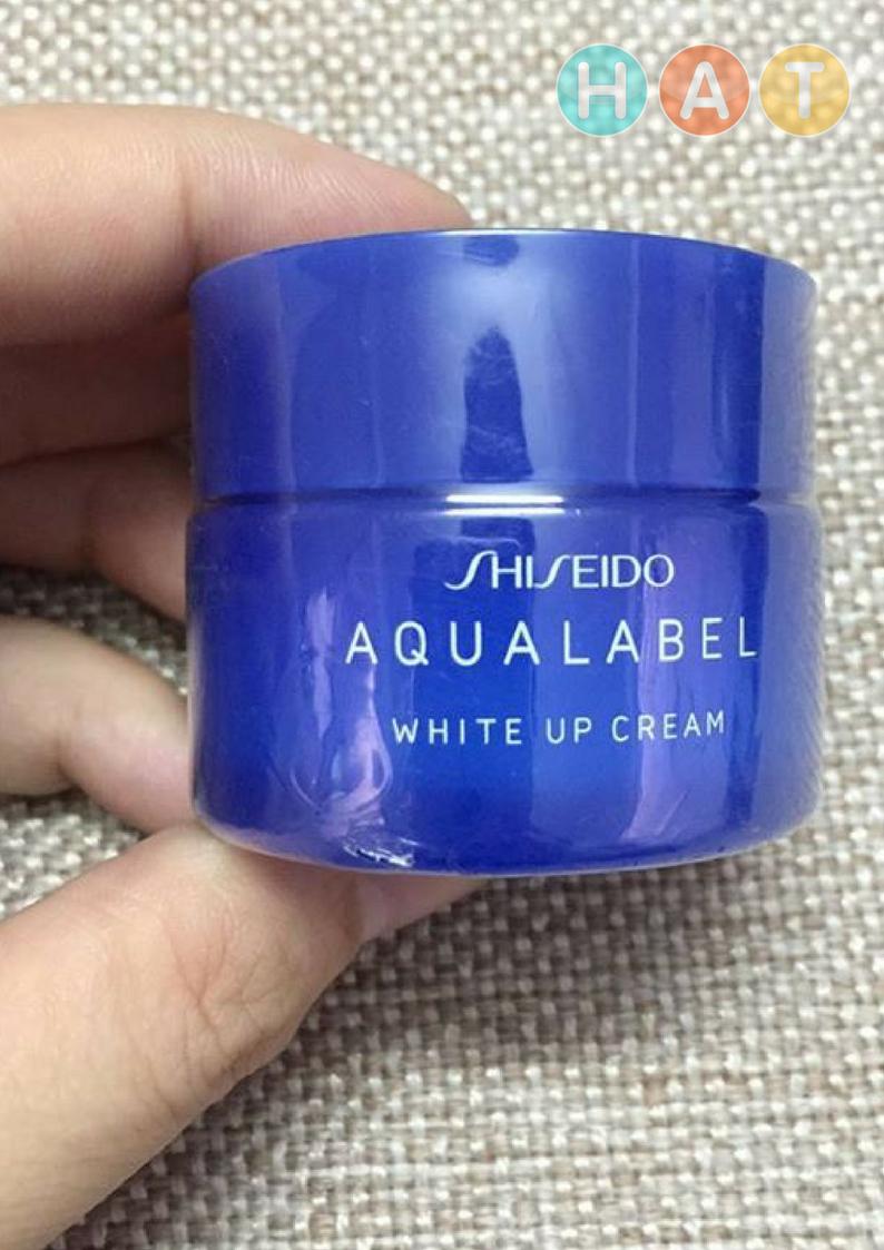 Kem-trắng-Aqualabel-Up-Blue-3